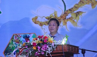 Mr Thanh speaking at the fair