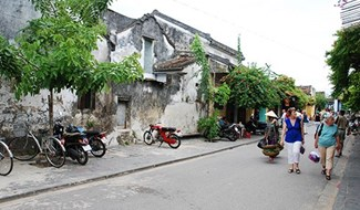 Hoi An Ancient Town is always in the mind and heart of many Quang Nam people living far from their homeland