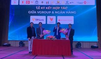 Chủ đầu tư Việt Group, đơn vị phát triển dự án VGROUP ký kết với 2 ngân hàng bảo lãnh tài chính cho dự án Chu Lai Riverside là TP Bank và Public Bank.